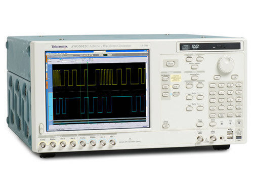 TEK-AWG5000C - Arbitrary Waveform Generator 0.6 Gsample per second, 14 bit resolution, 2 channel